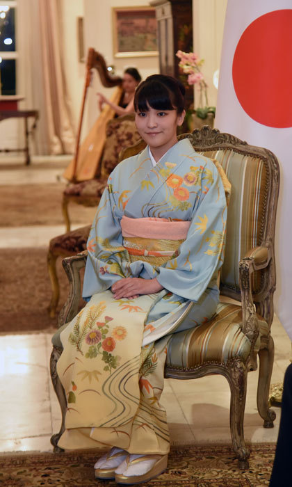 Japan's Princess Mako was dressed to the nines in traditional wear for her meeting with Paraguayan President Horacio Cartes at the government house Mburuvichá Roga  in Asuncion.