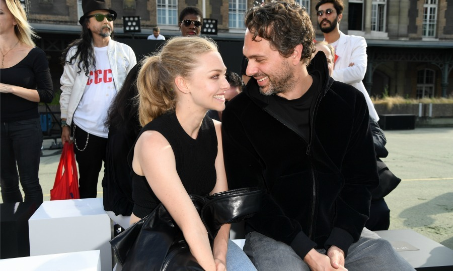 <b>Amanda Seyfried and Thomas Sadoski</b>