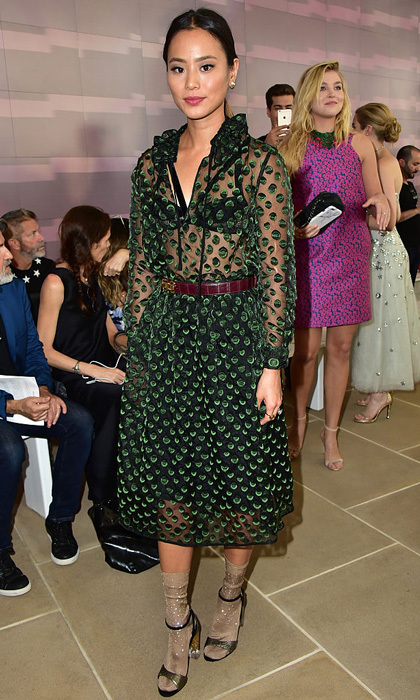 Jamie Chung's chic ensemble for the Monique Lhuillier show had us green with envy.