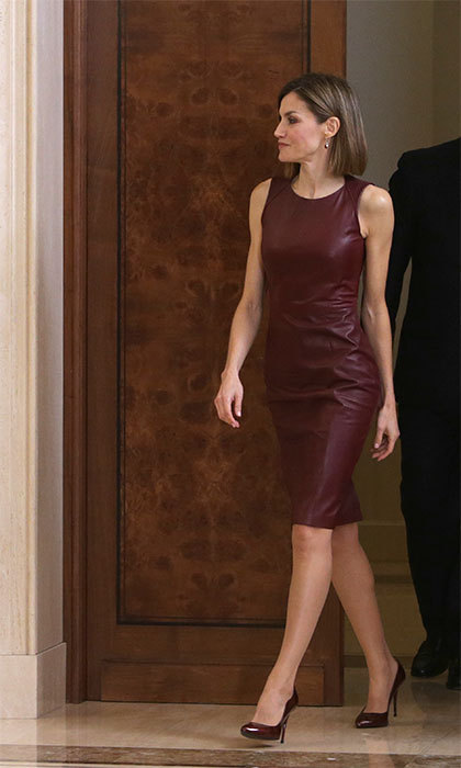 This royal really knows how to enter a room! The Queen rocked a leather burgundy dress during a representation of the Spanish Federation of Industries of food and beverages (IFLA) at Zarzuela Palace in Madrid in 2015.