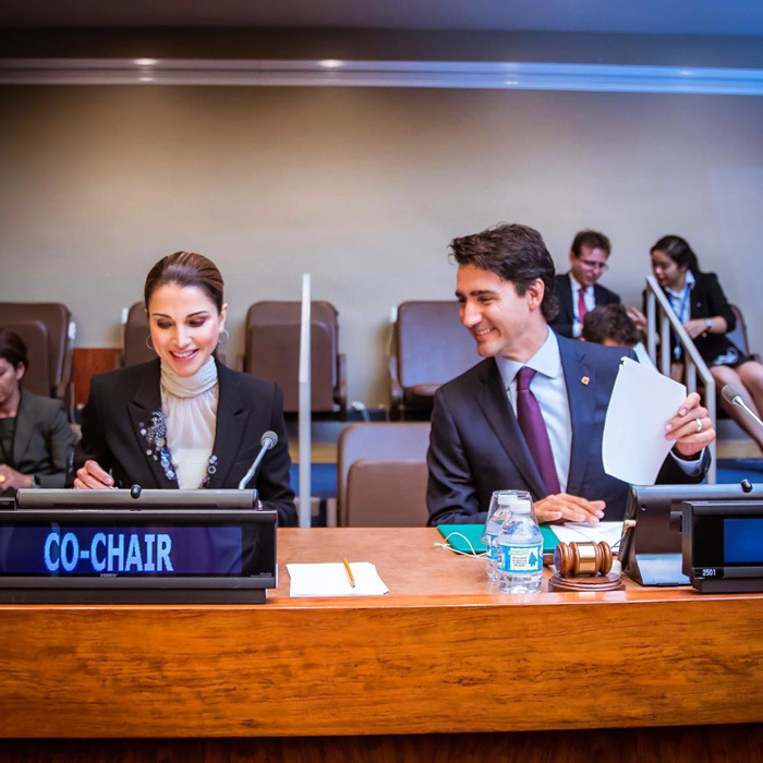 "<a href=""http://us.hellomagazine.com/tags/1/queen-rania/""><strong>Queen Rania</strong></a> joined Canada's Prime Minister Justin Trudeau at the UN Summit for Refugees and Migrants. The monarch shared the candid photo writing, ""This crisis is not just about refugees, nor will the solution simply be for refugees. This crisis is about the future of our interconnected world and about human dignity and decency.""