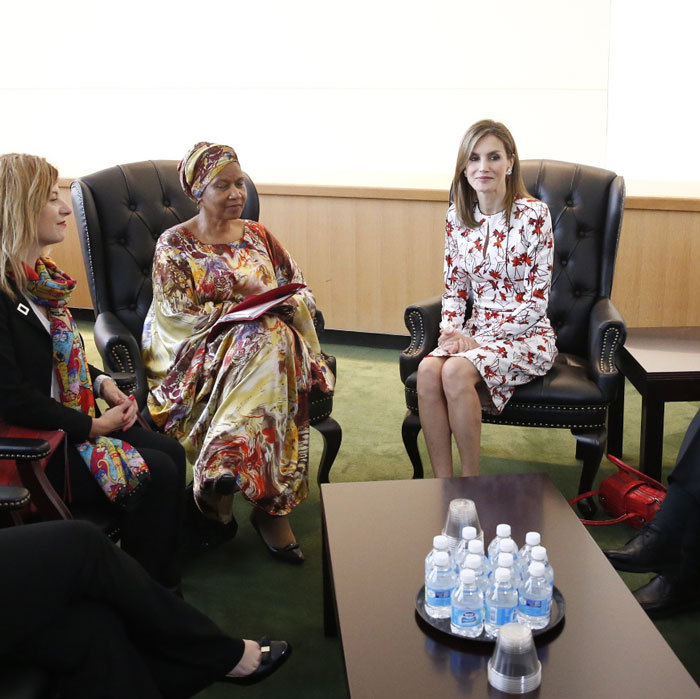"<a href=""http://us.hellomagazine.com/tags/1/queen-letizia/""><strong>Queen Letizia</strong></a>, who is in New York to participate in meeting on refugees and migrants, sat down with the Executive Director of UN Women, Phumzile Mlambo-Ngcuka.