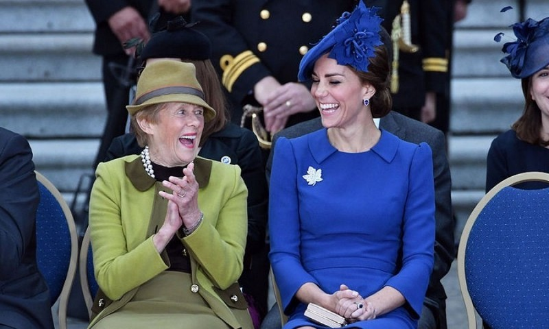 The Duchess had a good laugh with  Her Excellency Sharon Johnston during their welcome ceremony. Kate opted to wear the Queen's maple leaf brooch to accessorize her outfit.