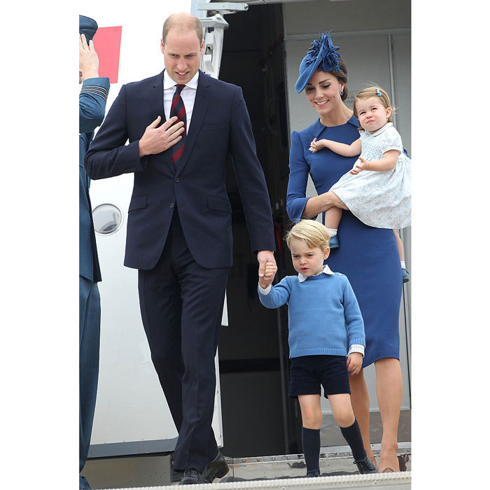 "<a href=""http://us.hellomagazine.com/tags/1/prince-william/""><strong>Prince William</strong></a> led the way for his family (Prince George, Princess Charlotte and Kate Middleton) as they disembarked an aircraft to begin their royal tour of Canada in September 2016.