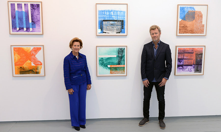 Queen Sonja of Norway and artist Magne Furuholmen presented <i>Texture</i>, their collaborative art series of ten prints produced to support The Queen Sonja Print Award at London's Paul Stolper gallery.