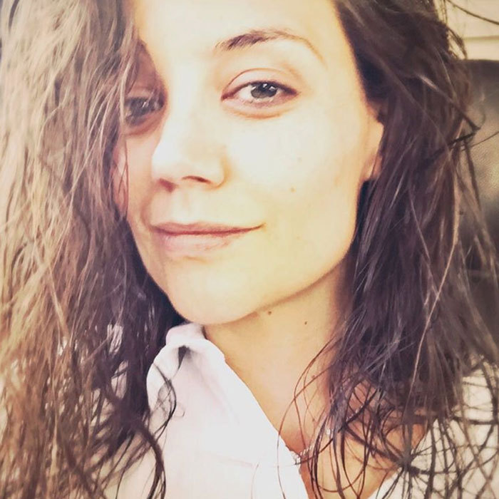 "Natural beauty <a href=""http://us.hellomagazine.com/tags/1/katie-holmes/""><strong>Katie Holmes</strong></a> gave us a peek at how she looks without hair and makeup. 