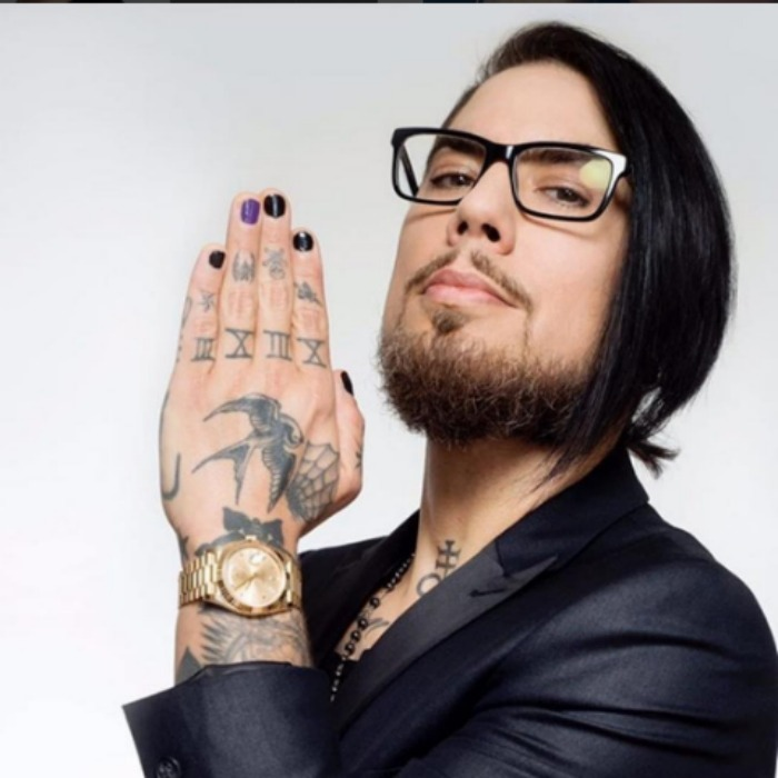Rock star Dave Navarro #PutTheNailInIt with a purple nail to  help end domestic violence and encourage victims to come forward and get the help they need. 
