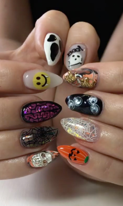 Can't decide on your favorite theme? Be like @sohotrightnail, who went for a different Halloween-inspired detail on each nail.