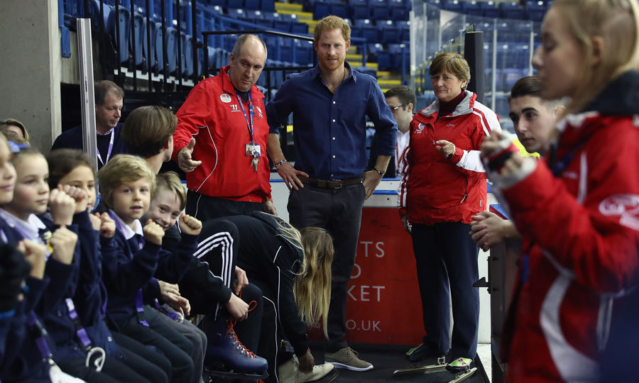 Harry chatted with coaches at the ice center. The Prince was on hand to find out how Coach Core apprentices are getting on.