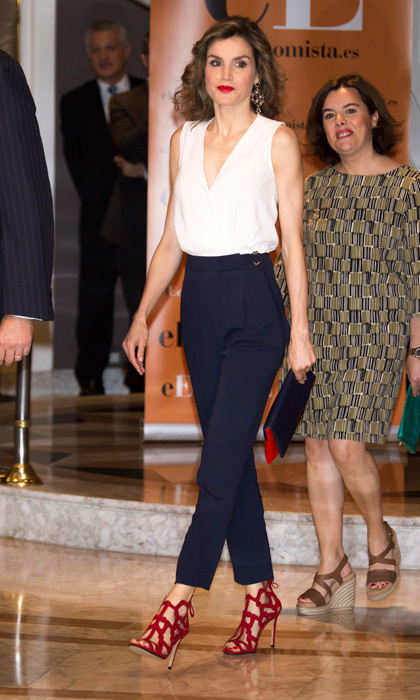 Leitizia swapped her pants for a jumpsuit! The monarch showed off her trim figuring donning a sleeveless crepe jumpsuit by BOSS to the 'El Economista' 10th Anniversary event held at Madrid's Hotel Villa Magna in June of 2016.