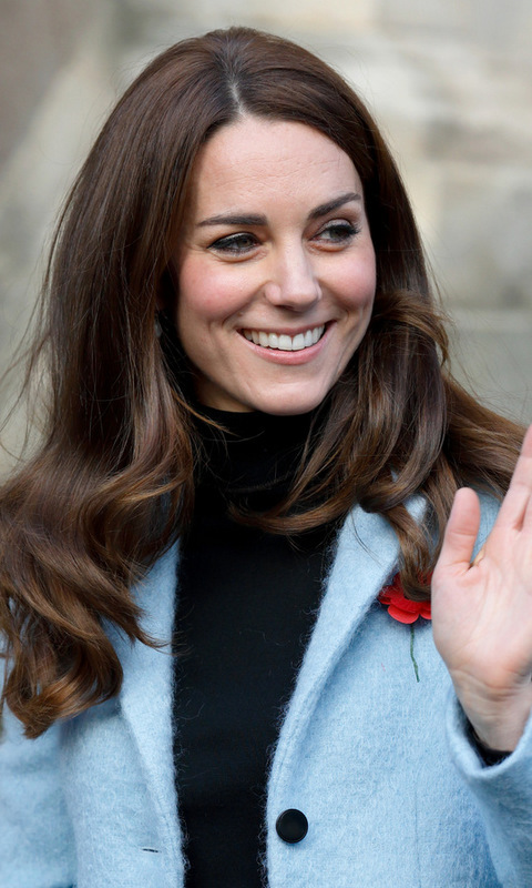 <B>Kate Middleton</B> had natural-looking rosy cheeks and lips for her outing to the Nelson Trust Women's Centre in Gloucestershire, England.