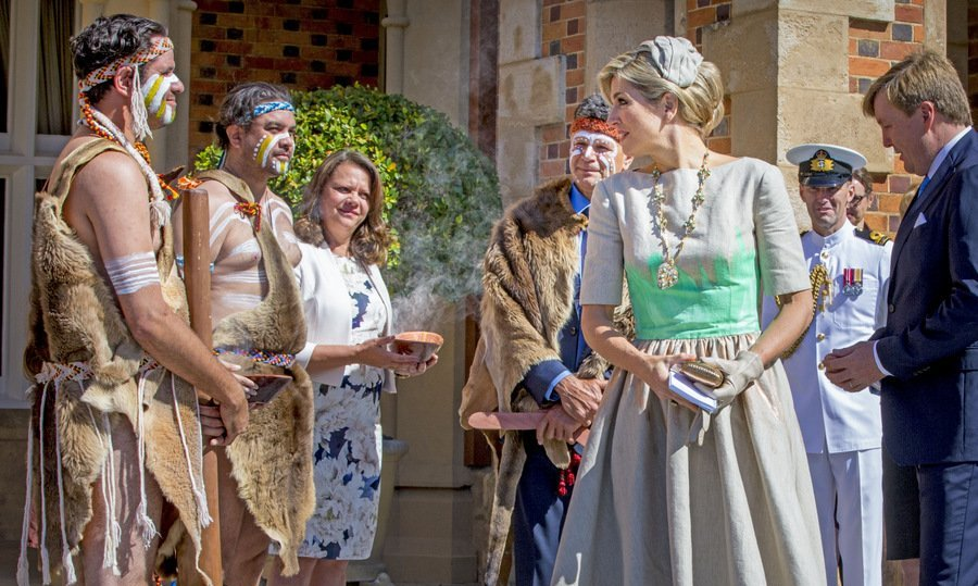 Queen Maxima of the Netherlands received a traditional Aboriginal welcome at the Government House in Perth, Australia, during her 5-day visit Down Under with husband King Willem-Alexander. 