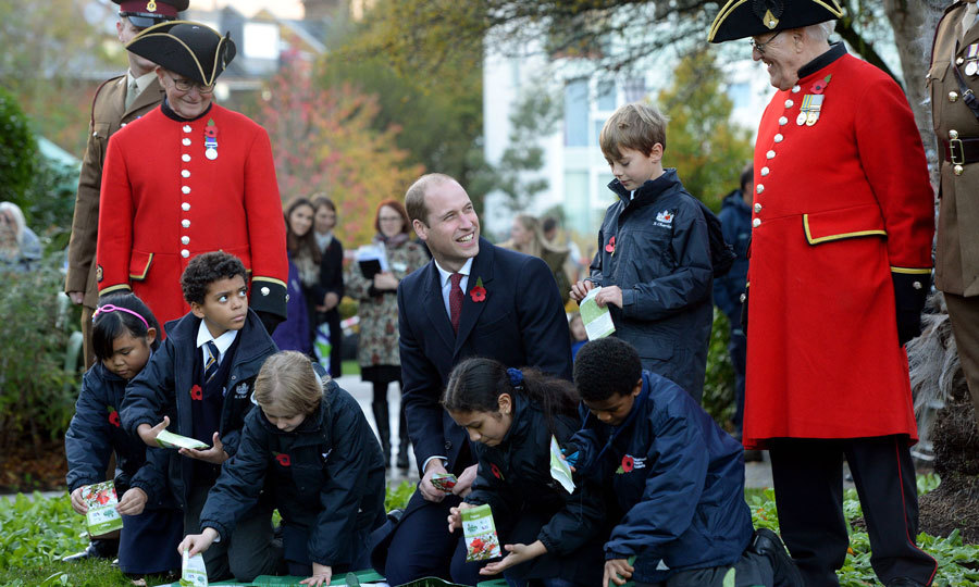 The Duke of Cambridge dedicated Kensington Memorial Park as a Centenary Field on November 10. Prince William planted poppy seeds with children at the site, which is a living legacy for those who fell during the Great War.