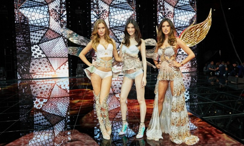 "November 10: Victoria's Secret models <a href=""http://us.hellomagazine.com/tags/1/josephine-skriver/""><strong>Josephine Skriver</strong></a>, Sui He and Alessandra Ambrosio took flight for the first time in Shenzhen, China for the Global Shopping Festival gala. 