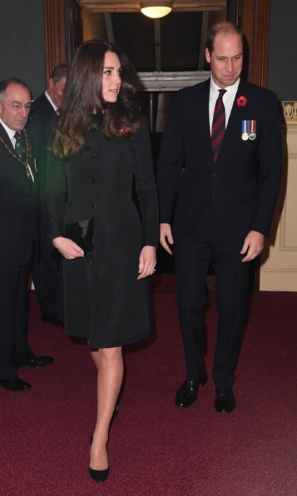 Saturday night date night with William's family! Kate and her husband joined Queen Elizabeth and other relatives at the Royal Albert Hall for the Royal Festival of Remembrance.