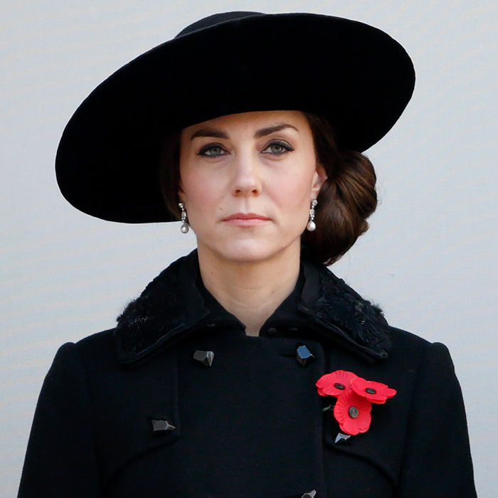 "<a href=""http://us.hellomagazine.com/tags/1/the-duchess-of-cambridge/""><strong>The Duchess of Cambridge</strong></a> was understated and fresh with pink lips and a simple cat eye for the Annual Remembrance Sunday service in London, England.