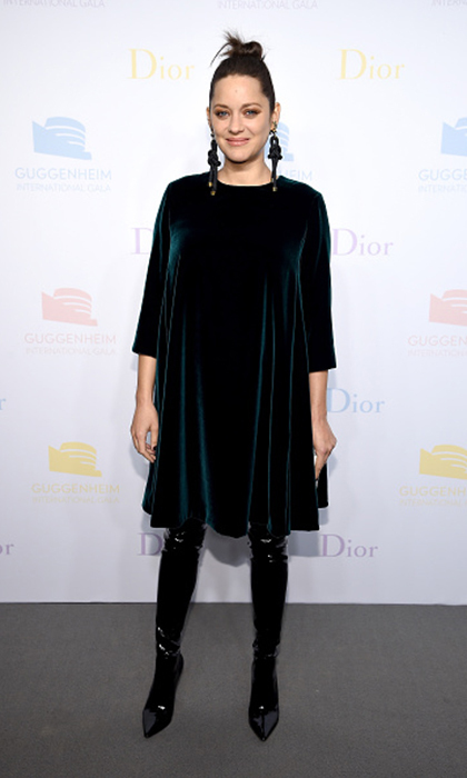 Mom-to-be Marion Cotillard wore teal velvet Dior to the 2016 Guggenheim International Pre-Party in New York City. 