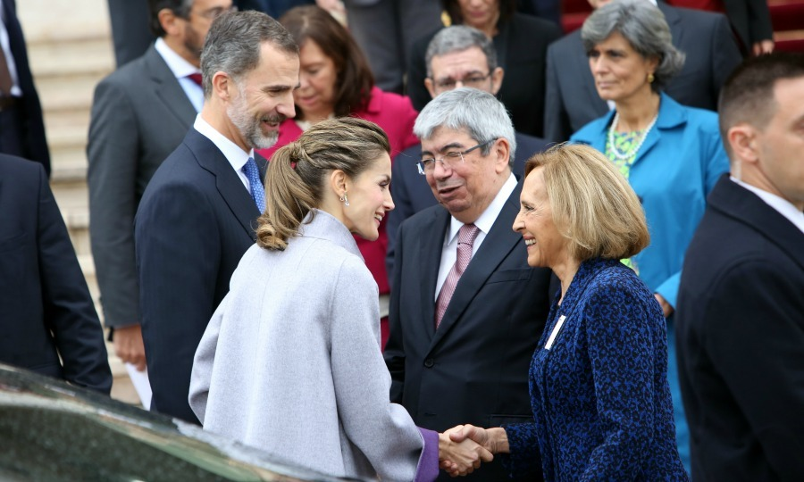 Queen Letiza shook hands with Maria Filomena de Aguila during her and King Felipe's meeting with Portuguese Parliament President Eduardo Ferro Rodrigues on the third day of their official visit to the country.