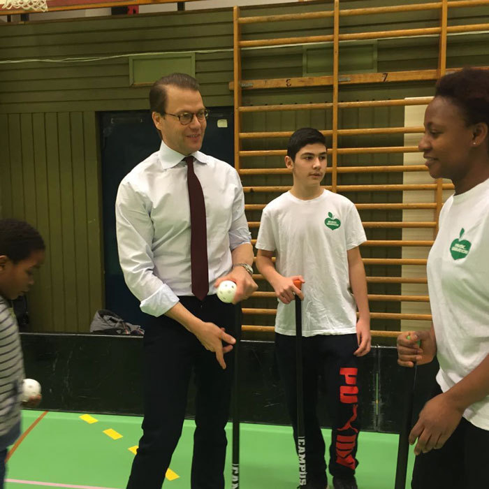 Play ball! Princess Estelle's dad, Prince Daniel met with kids at the Jordbromalmshallen. The Foundation provides free activities for everyone so family members can be involved.