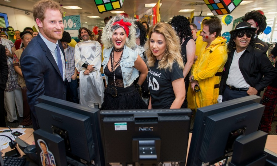 During the charity event, Harry was greeted by staff, who wore a wide variety of costumes from pirates, rock stars, and other characters. 