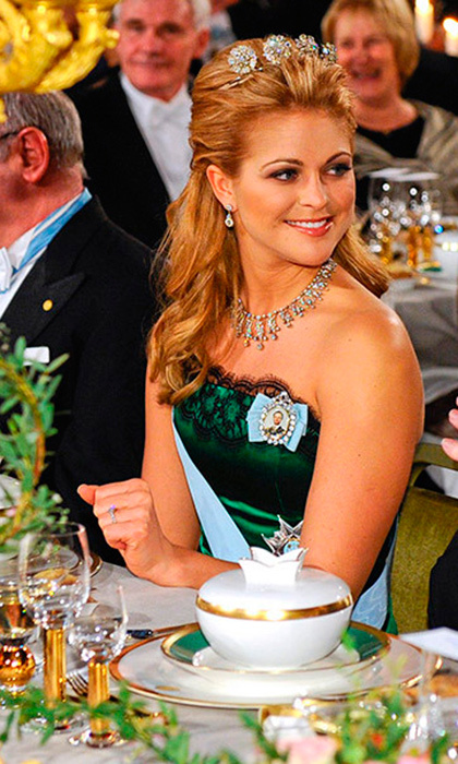 Princess Madeleine wears the relatively dainty four-button tiara to the Nobel Prize gala in 2009.