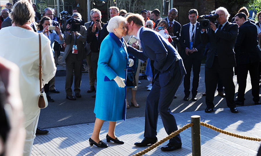 "8. <a href=""http://us.hellomagazine.com/royalty/2016042531111/prince-harry-birthday-gift-queen/""><strong>Prince Harry's funny birthday gift to grandmother Queen Elizabeth </strong></a>