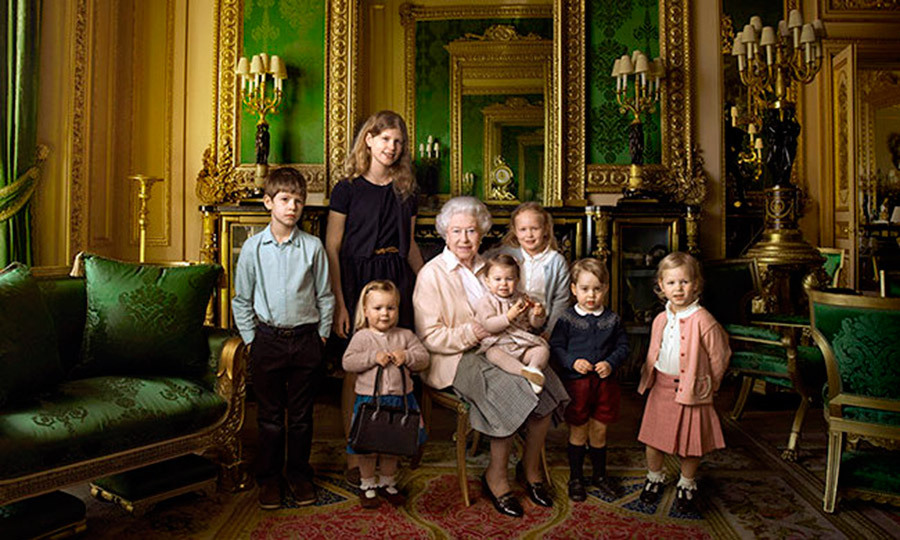 "7. <a href=""http://us.hellomagazine.com/royalty/2016042131028/queen-elizabeth-official-portrait-great-granchildren//""><strong>Queen Elizabeth poses with her youngest family members for her 90th birthday</strong></a>