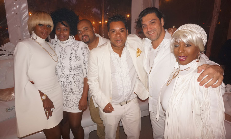 Mary J Blige attended  Miami's annual all-white-and-gold-themed extravagant party, the Five Star New Year's Eve. The singer, donning a bell sleeved white dress, arrived in a YachtLife boat before partying the night away and sipping on glasses of Perrier-Jouët.