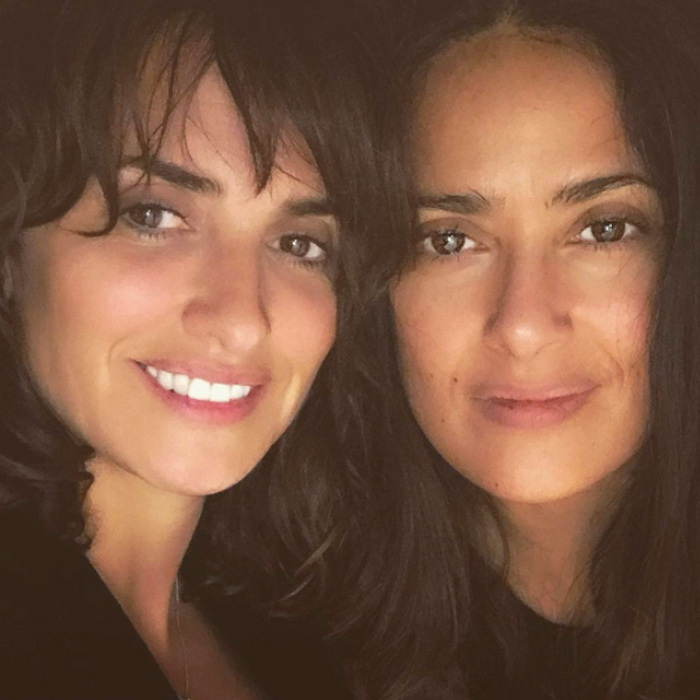 "<a href=""http://us.hellomagazine.com/tags/1/penelope-cruz/""><strong>Penelope Cruz</strong></a> and <a href=""http://us.hellomagazine.com/tags/1/salma-hayek/""><strong>Salma Hayek</strong></a> are twinning in fresh-faced style.