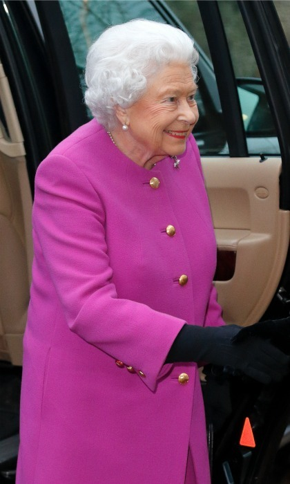 She's back to work! Queen Elizabeth was all smiles and all pink as she stepped out for her first royal outing of 2017 at a meeting of the Sandringham branch of the Women's Institute. 