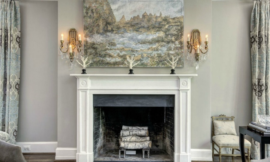 <b>Living room fireplace</b> 