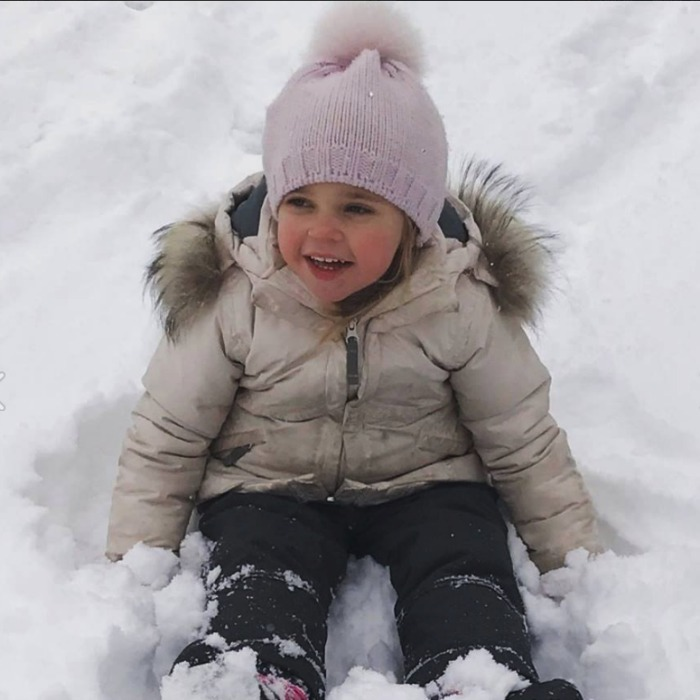 Nicolas' big sister Princess Leonore got in on the snowy action and Princess Madeleine was there to capture it.