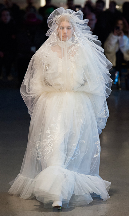 <b>Vetements</b>