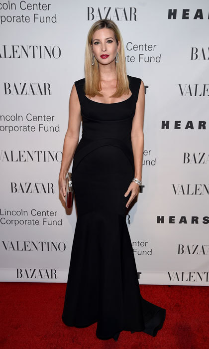 The fashion designer channeled her inner New York wearing a black mermaid-silhouette gown to the 2015 Lincoln Center Corporate Fund Black Tie Gala that was honoring Valentino.