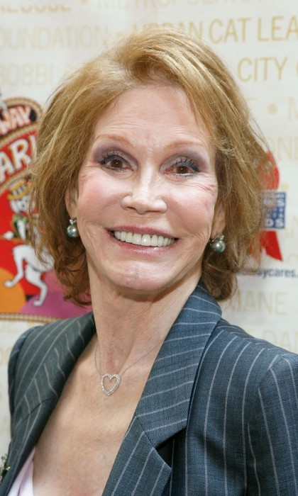 <b>Mary Tyler Moore - January 25</b>