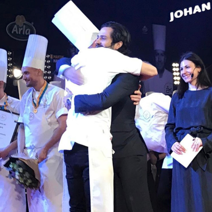 Prince Carl Philip embraced a chef with a hug after handing out the Swedish Academy of Gastronomy's dairy medal in gold to the winner of Chef of the Year 2017, Johan Backeus. 
