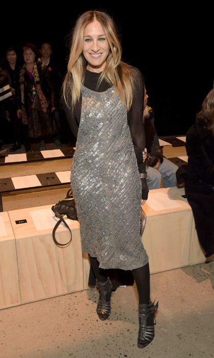 Sarah Jessica Parker channeled her inner Carrie Bradshaw at the Narciso Rodriguez collection show.