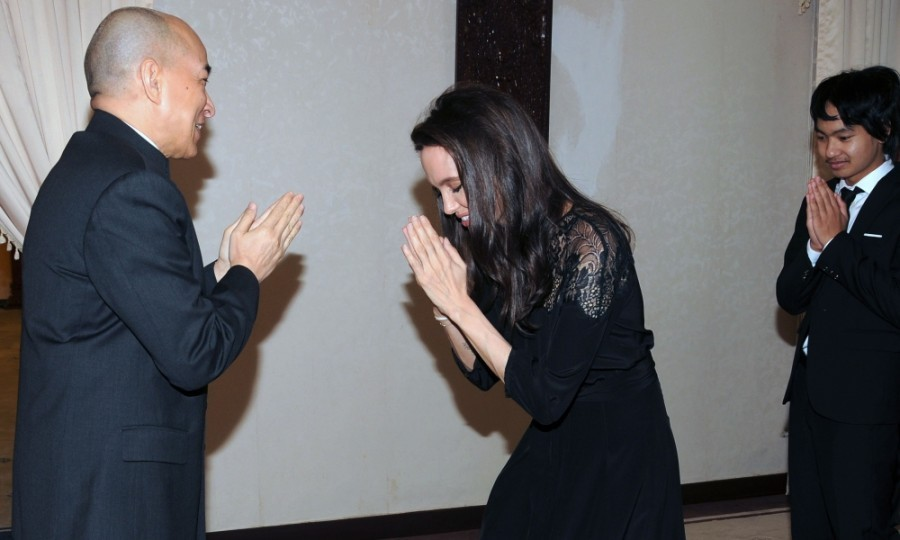 Angelina Jolie brought all her children to meet Cambodian King Norodom Sihamoni during an audience at the royal residence in Cambodia. Angelina Jolie was there to premiere her new film, <i>First They Killed My Father</i>.