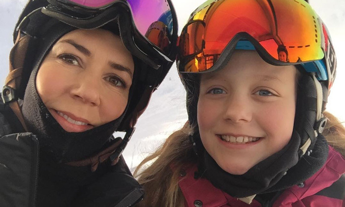 Crown Princess Mary shared a sweet moment with her eldest daughter, Princess Isabella. They snapped a selfie together as they made their way up the mountain on a ski lift.
