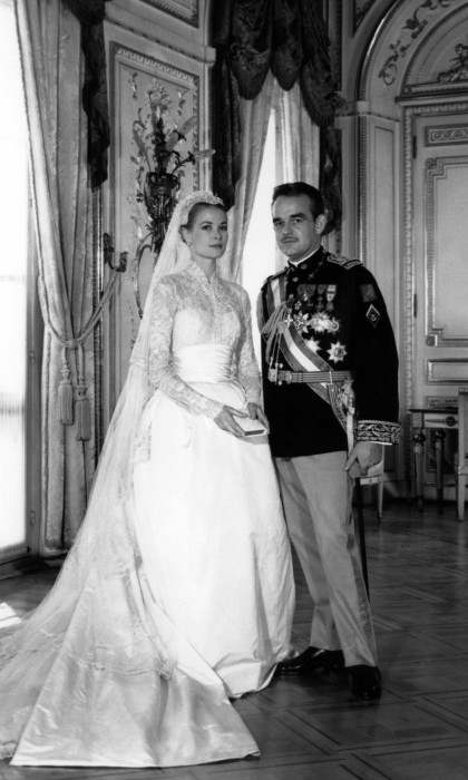 Grace Kelly And Prince Rainier Of Monaco At Their Wedding Photo Afp Getty Images