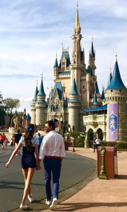 "<a href=""http://us.hellomagazine.com/tags/1/john-stamos/""><strong>John Stamos</strong></a> showed his 'Ariel,' girlfriend Caitlin McHugh around Disney World.