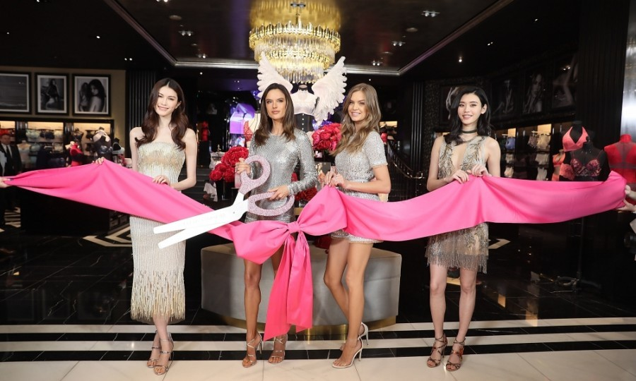March 8: Grand opening! Victoria's Secret Angels He Sui, Alessandra Ambrosio, Josephine Skriver, and Xi Mengyao attended the Grand Opening of Victoria's Secret flagship store in Shanghai, China.