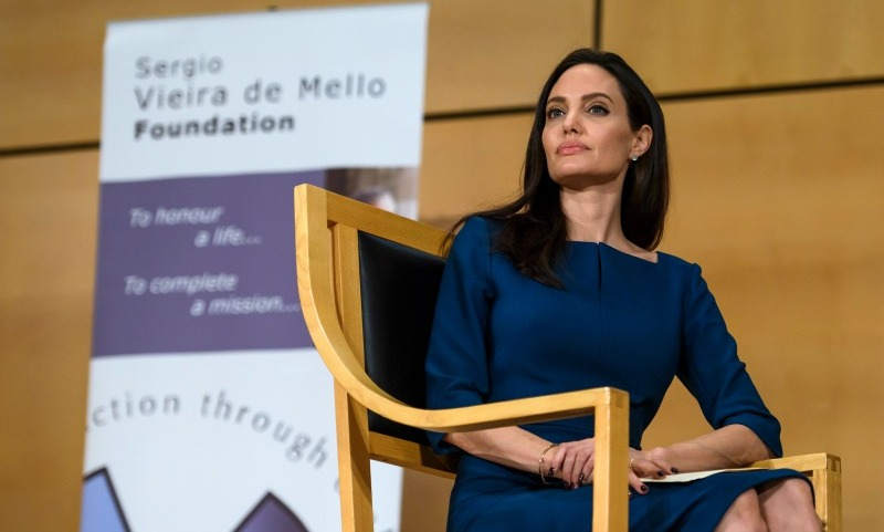 "March 15: Angelina Jolie  <a href=""http://us.hola.com/hola-en-ingles/201703167495/angelina-jolie-united-nations/""><strong>paid a visit</strong></a> to the United Nations Refugee Center in Geneva. The actress met with officials at the agency and spoke to hundreds of staff members in an effort to save those in need. The <i>By the Sea</i> star encouraged people all over the world to work together to ""unite our strength to maintain international peace and security,"" and ""to promote social progress and better standards of life in larger freedom."" ""This is like coming home. I was first here 16 years ago and had no idea what was ahead of me. I am sure many of you sometimes feel the same way,"" she said, adding that she understands the pressure each individual must feel given 65 million refugees are currently seeking permanent shelter.