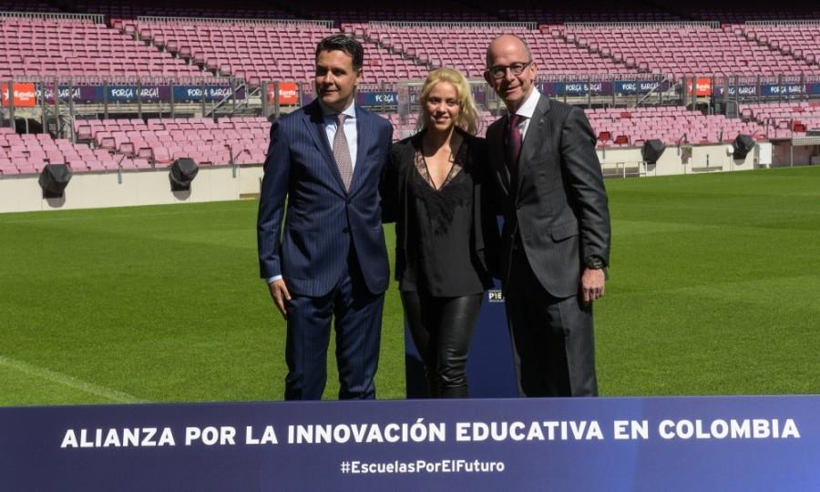 March 28: Shakira joined Jordi Cardoner, vice president of Barcelona and its Foundation, and Xavier Bertolin, Educational Director of the La Caixa Foundation, at their official launch of the Barranquilla School Project at Camp Nou in Barcelona, Spain. 