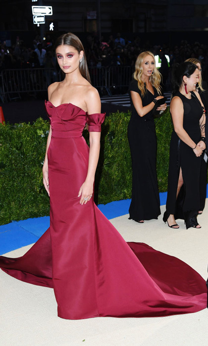 Image result for Taylor Hill in Carolina Herrera and David Yurman jewelry