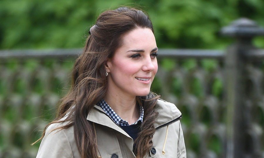 Kate Middleton goes casual in the countryside for Farms ...