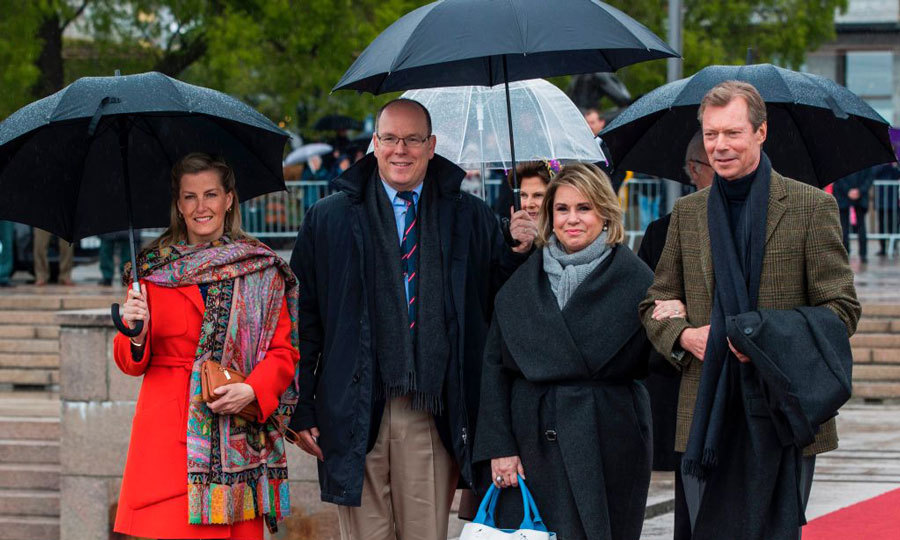 Sophie Wessex, Prince Albert, Grand Duke Henri and Grand Duchess Maria Teresa of Luxembourg braved the mid-30 degree weather for the lunch.