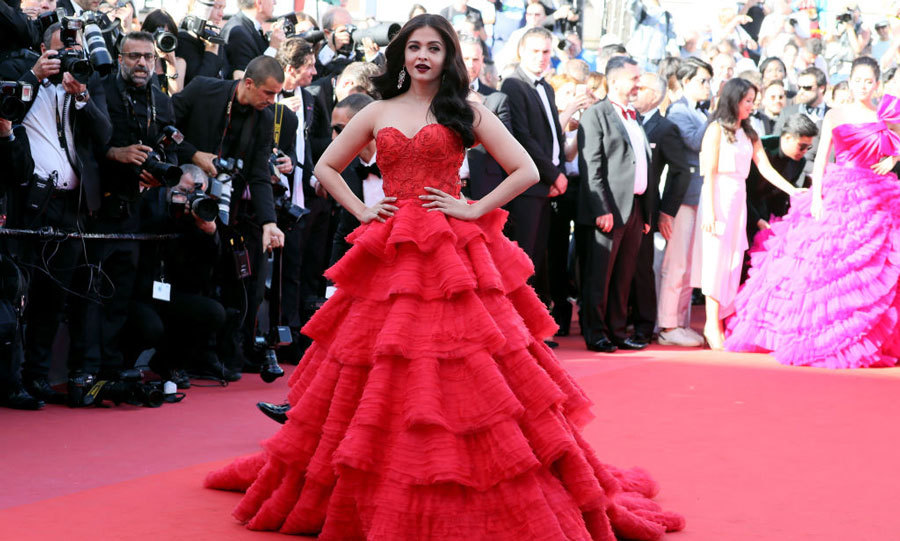 Aishwarya Rai was a real-life emoji at the <i>120 Beats Per Minute</i> premiere in her red-tiered gown.