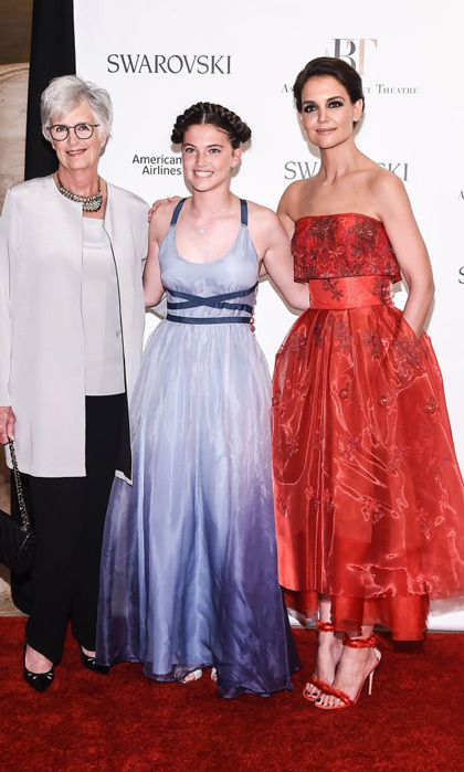 Katie Holmes, in Zac Posen, made the 2017 American Ballet Theater Spring Gala a family affair with her mom Kathleen and her niece.