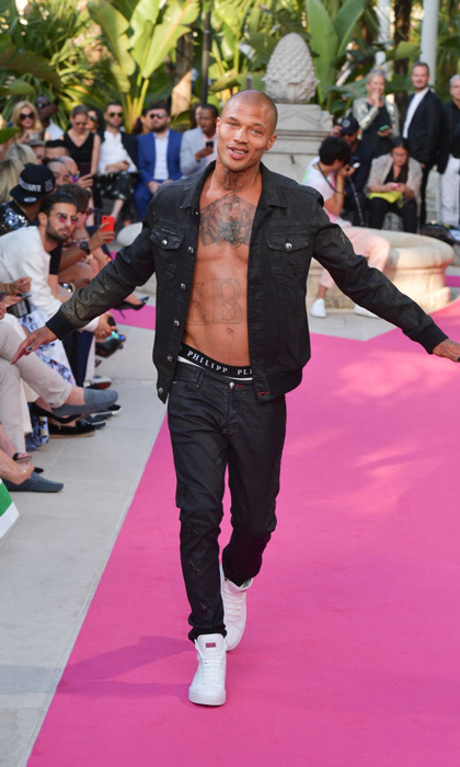 Jeremy Meeks showed off his abs during Philipp Plein's Cruise Show.